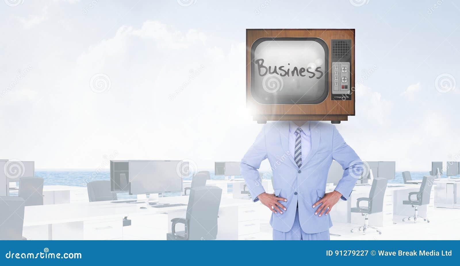 TV på huvudet för affärsman` s med affären som är skriftlig på skärmen
