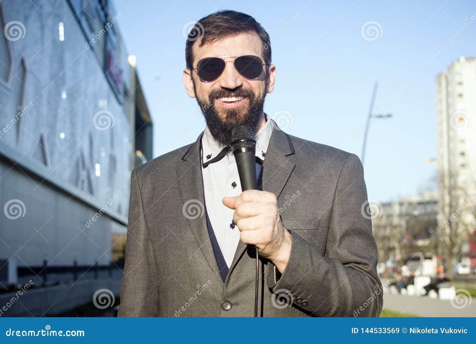 TV reporter w wiadomości