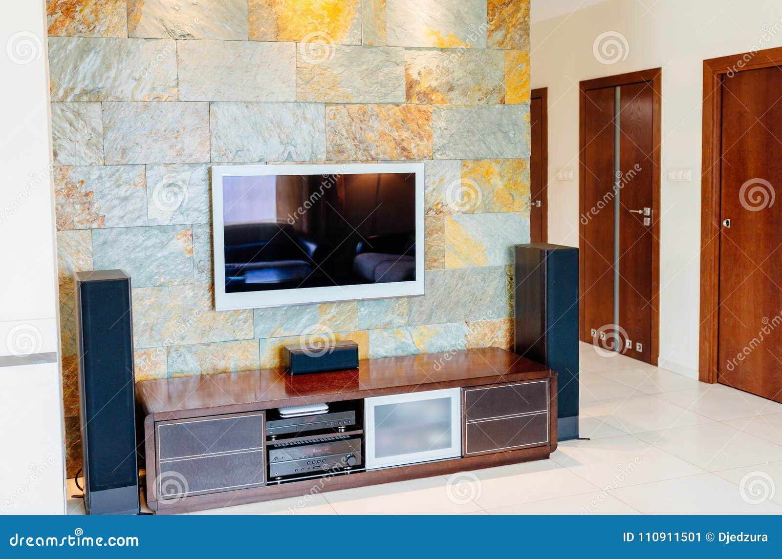 TV set with Hi-fi home cinema system