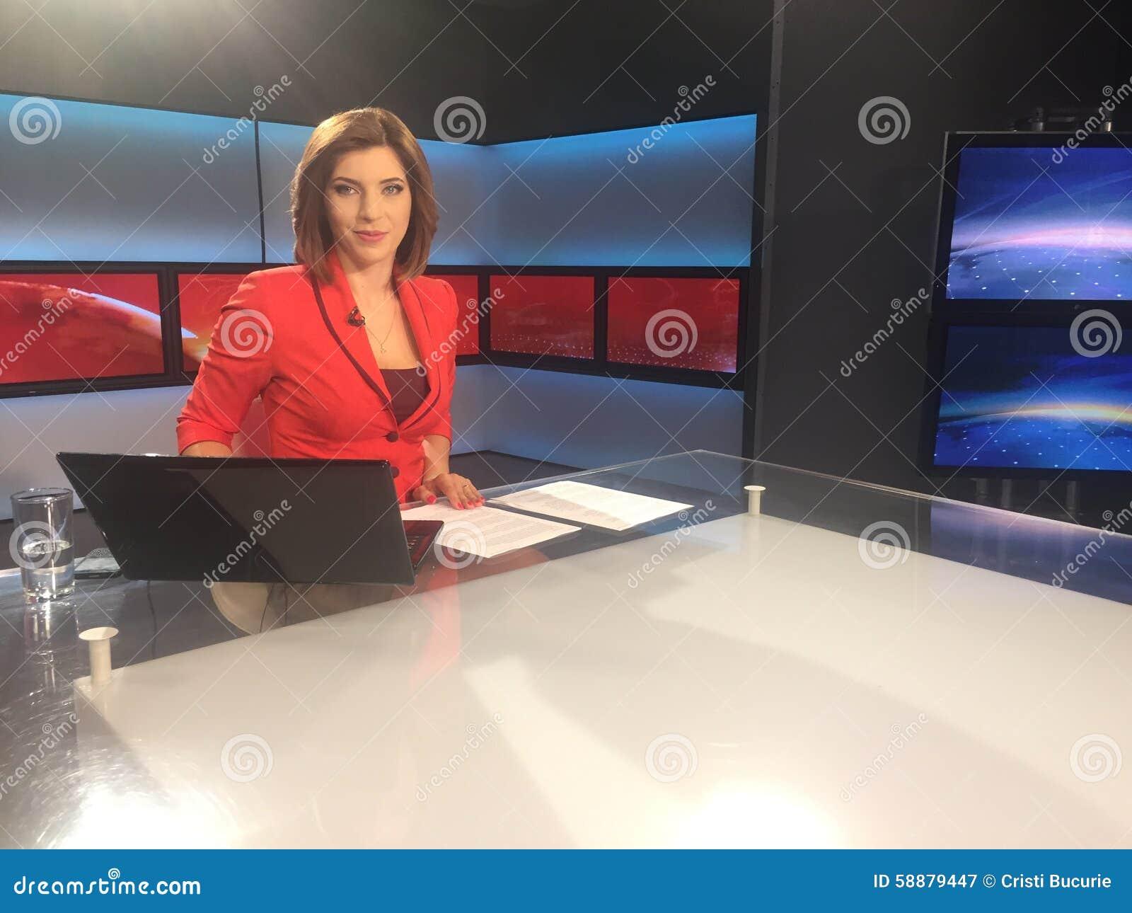 TV-verslaggever bij het nieuwsbureau
