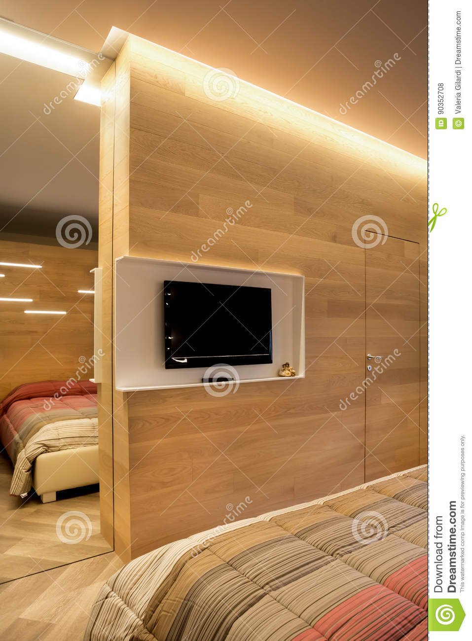 Picture of: Tv Wall With Mirror And Door Stock Photo Image Of Parquet Reflection 90352708