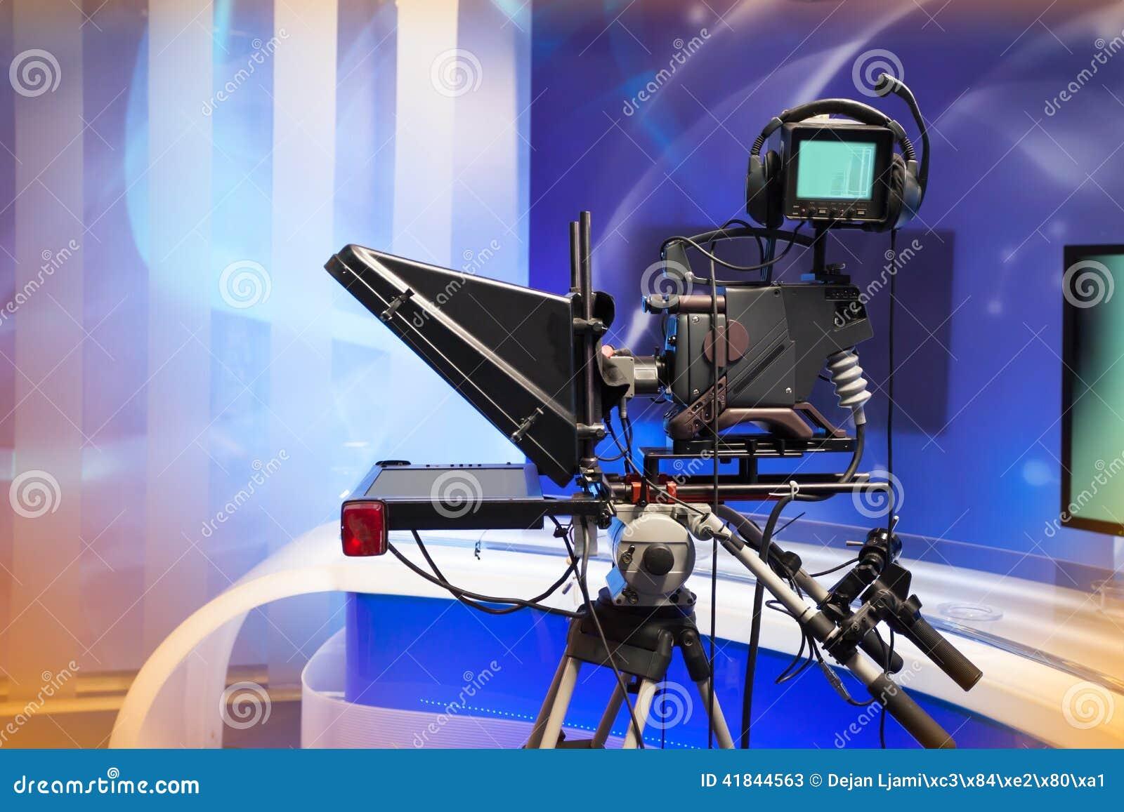TVNYHETERNAstudio med kameran och ljus