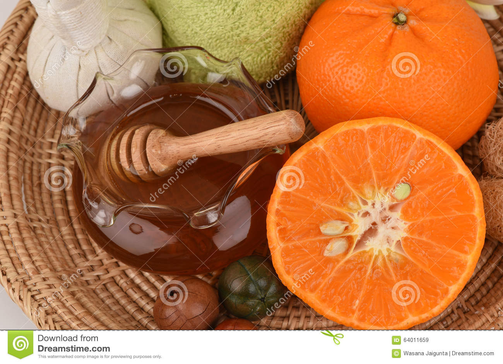 Twarzy maska z pomarańcze i miodem gładzić bieleć twarzową skórę i trądzika