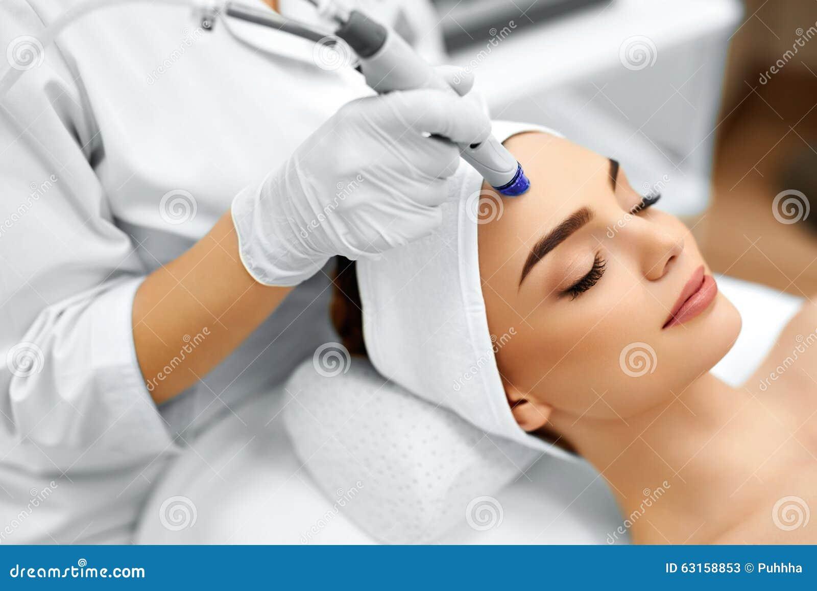 Twarzy skóry opieka Twarzowy Wodny Microdermabrasion obierania traktowanie