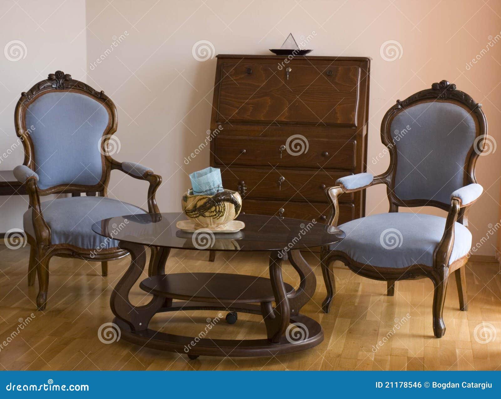 Twee Blauwe Stoelen In De Woonkamer Royalty-vrije Stock Afbeelding ...