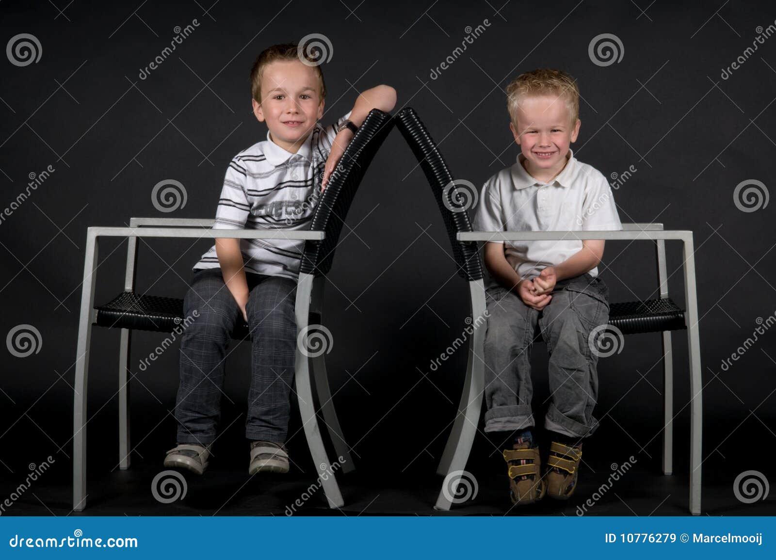 Twee Broers op een Stoel