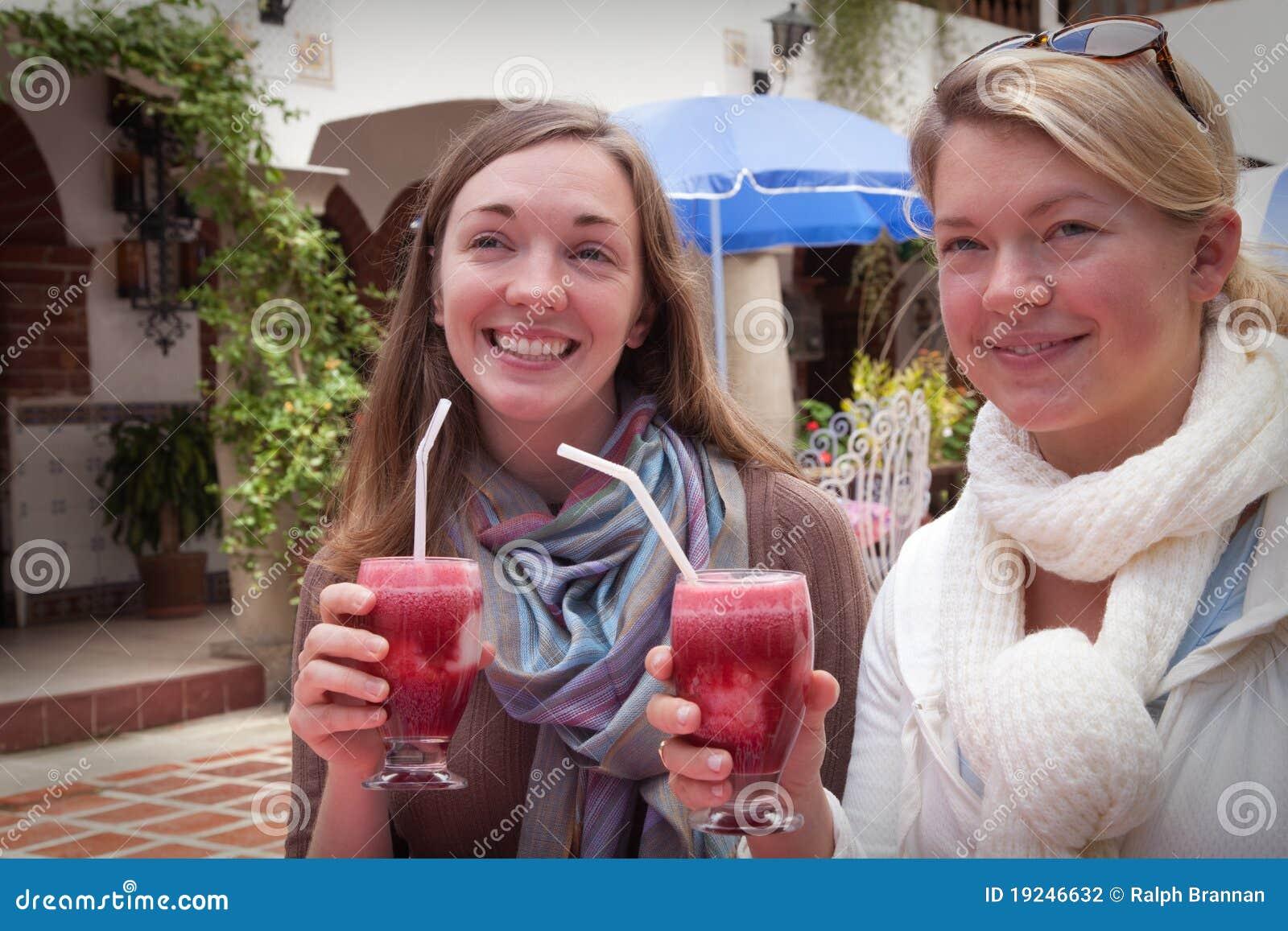 Twee Dames in Paradijs