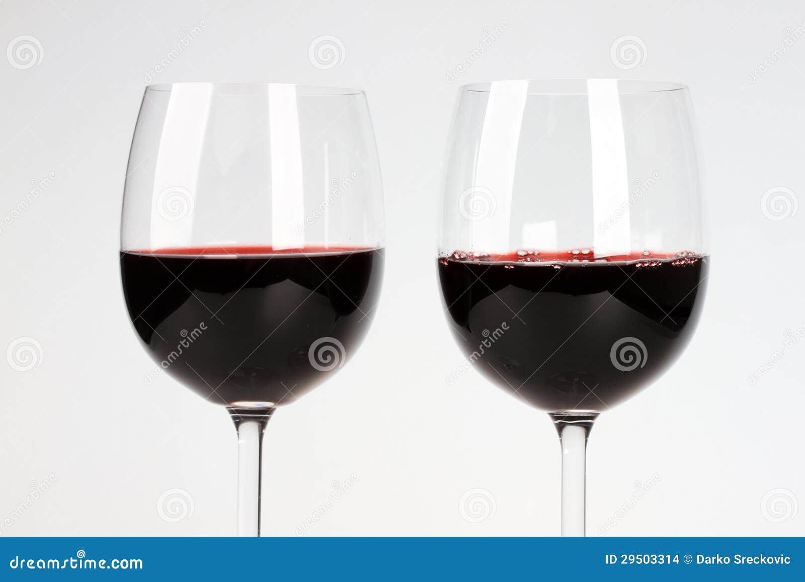 Twee glazen van wijnstok