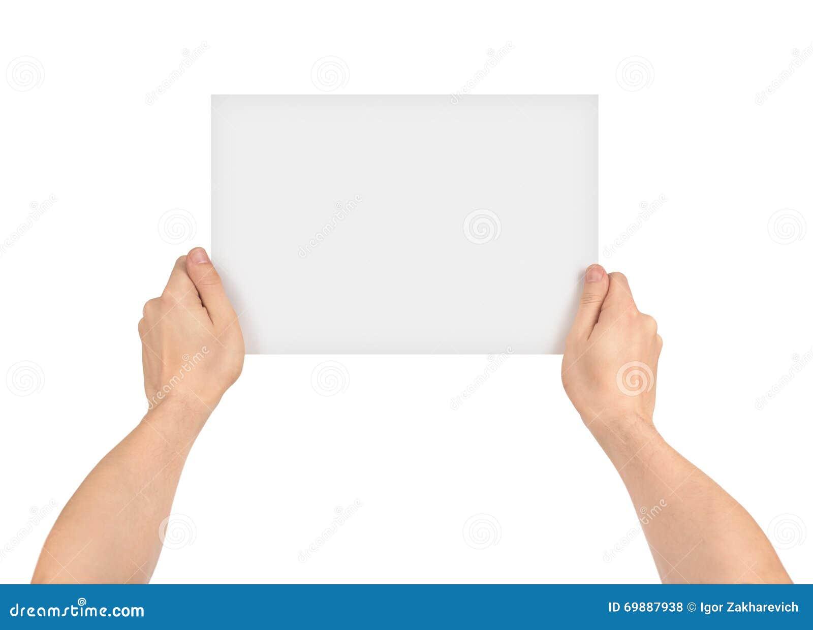 Twee handen die leeg stuk van document houden