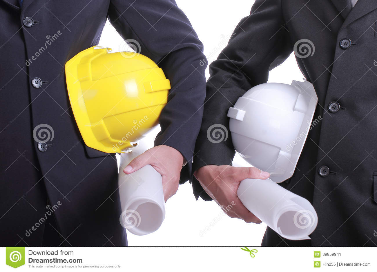 Twee Ingenieursmensen die veiligheidshoed voor het werk houden hun project