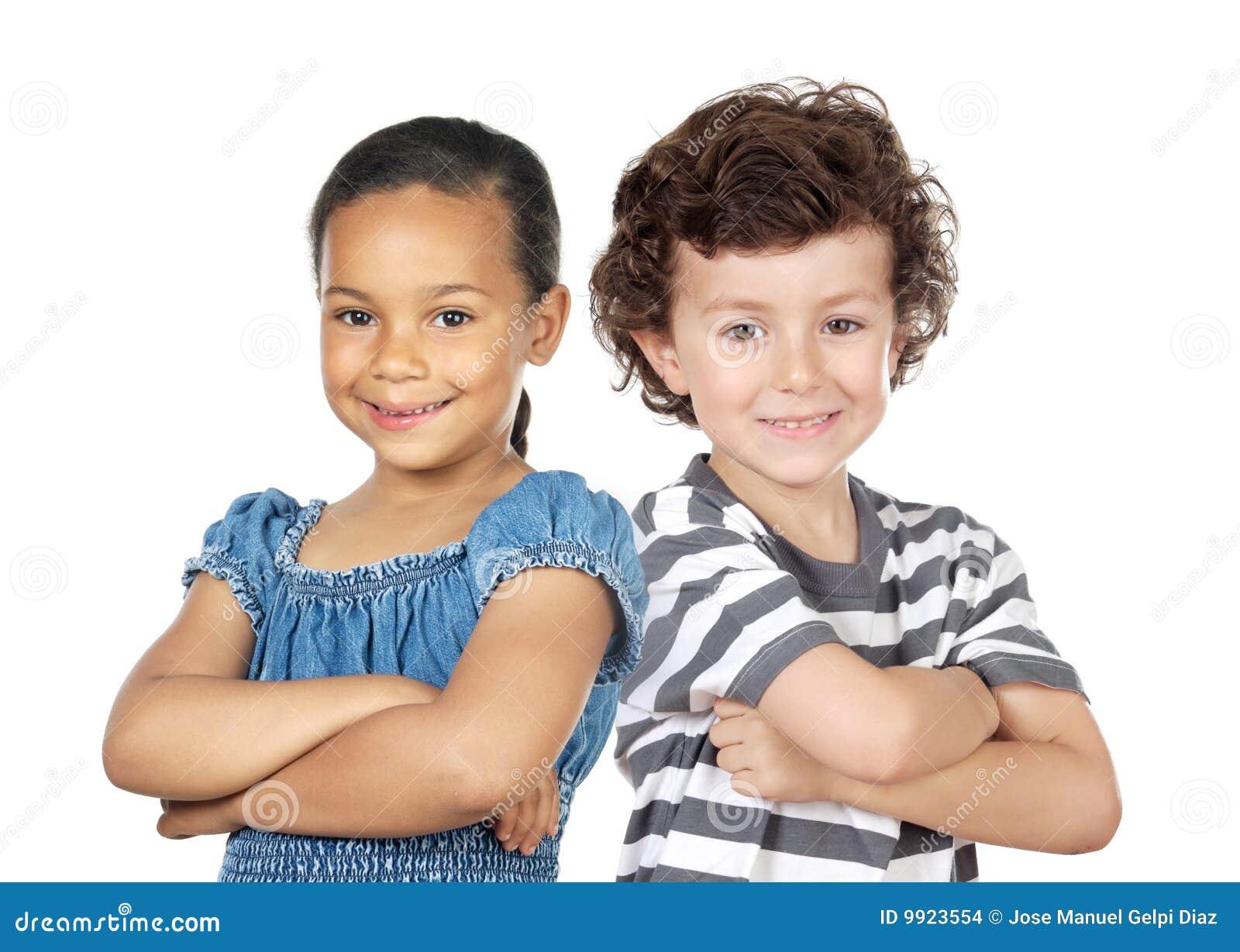 Twee kinderen van verschillende rassen