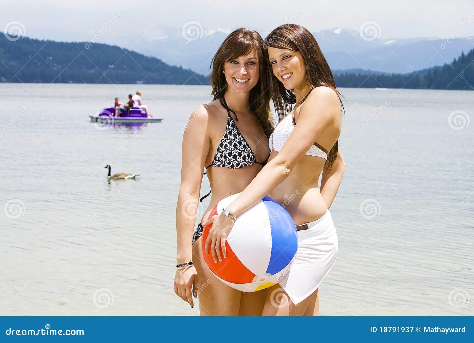 priveontvangs mooie vrouwen in bikini