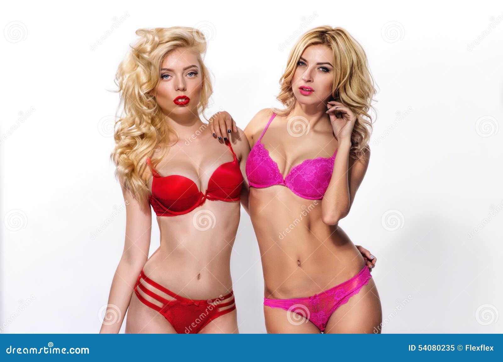 Twee schitterende blonden incororful lingerie