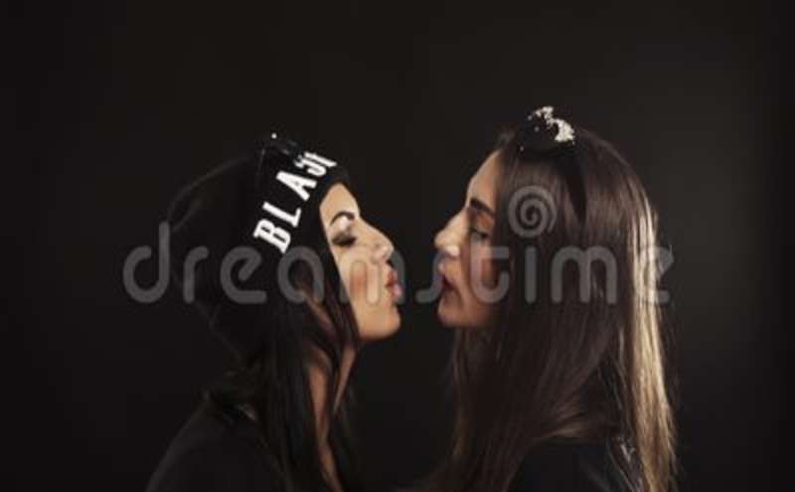 Hoge zwarte lesbiennes