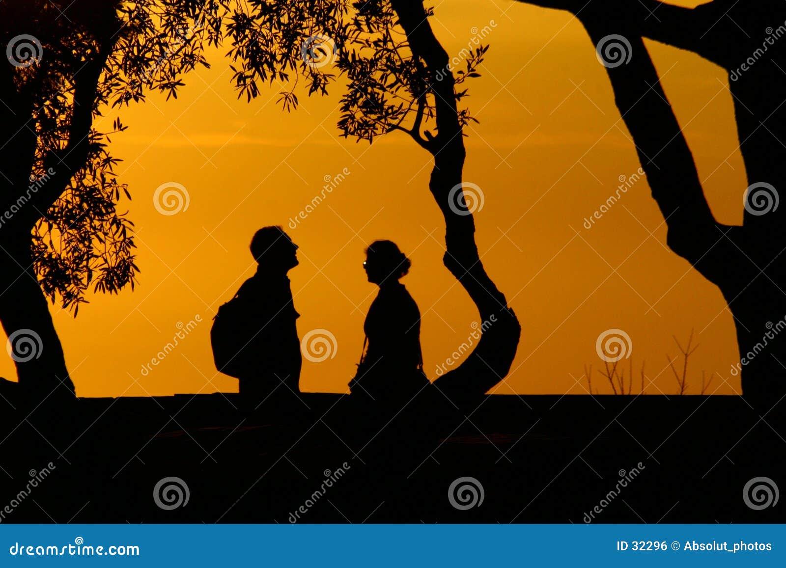 Twee silhouetten