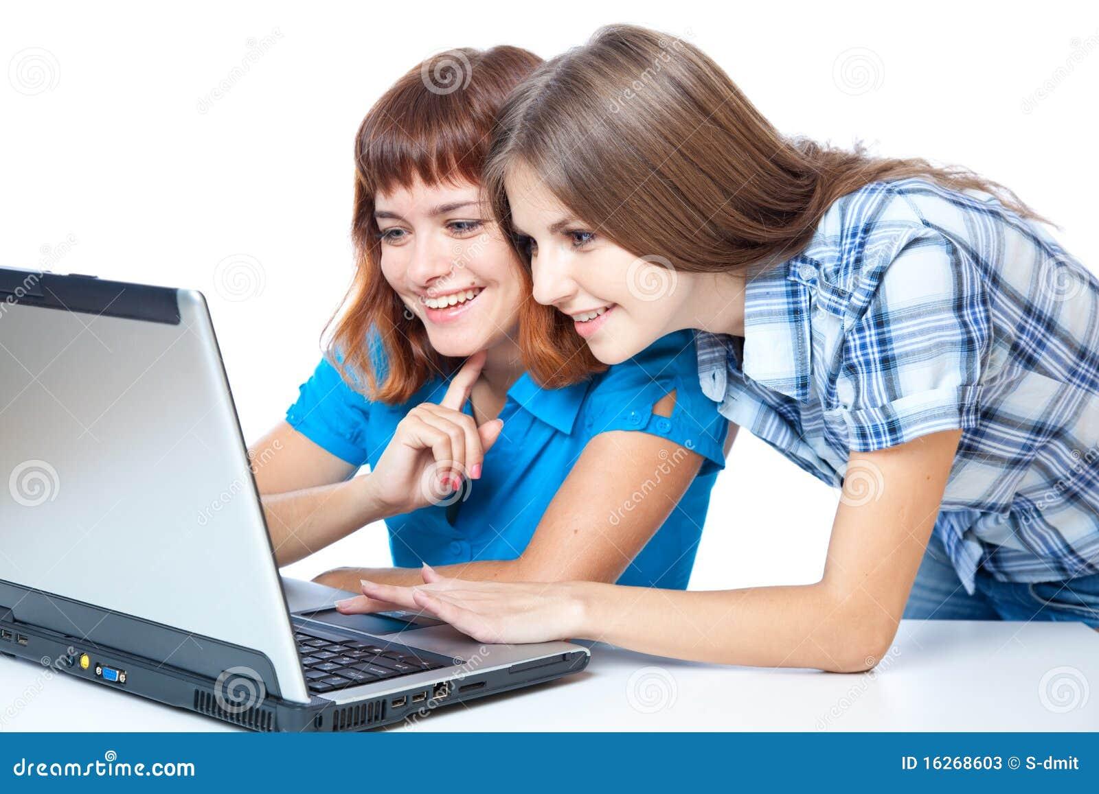 Twee tiener meisjes met laptop stock afbeelding afbeelding 16268603 - Tiener meisje foto ...