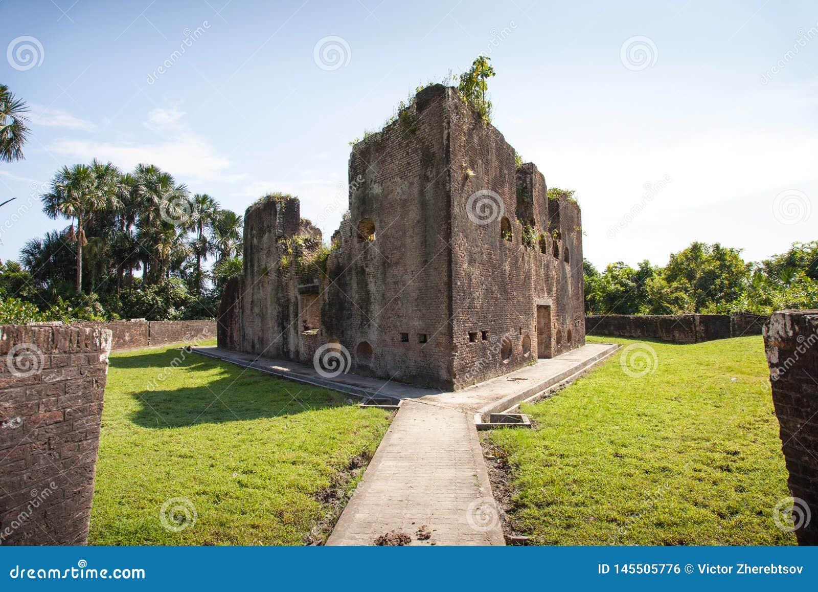 Twierdza Ściany z cegieł fort Zeelandia, Guyana Fort Zealand lokalizuje na wyspie Essequibo rzeka