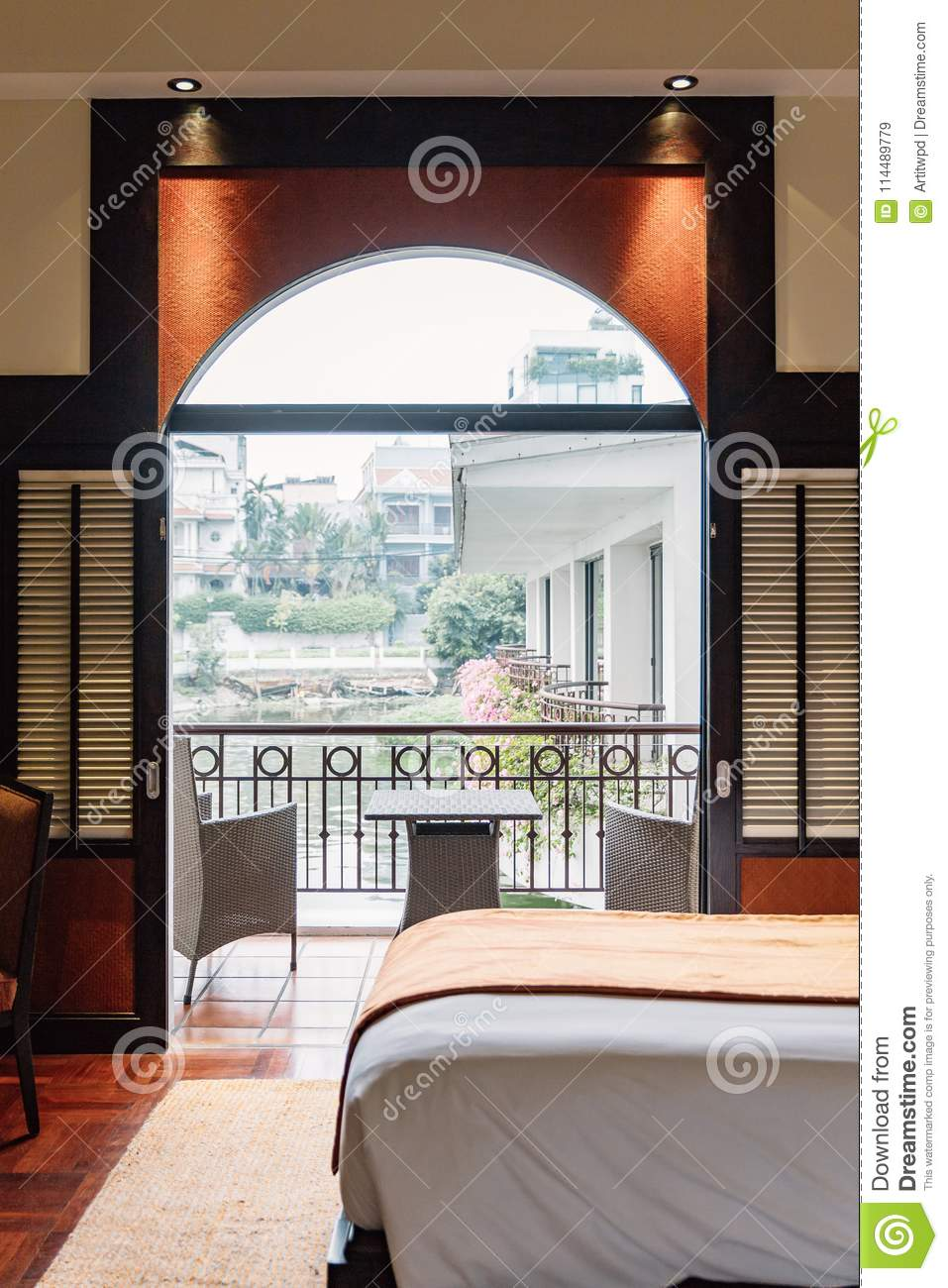 Twin Bed Hotel Room: Twin Bed Hotel Room Can Take View From The Outside With