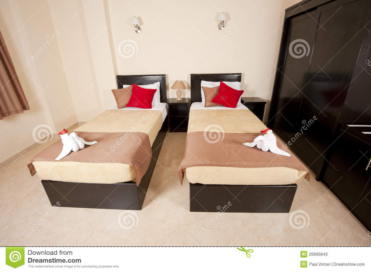 Twin Beds In A Bedroom Stock Photos - Image: 20695843