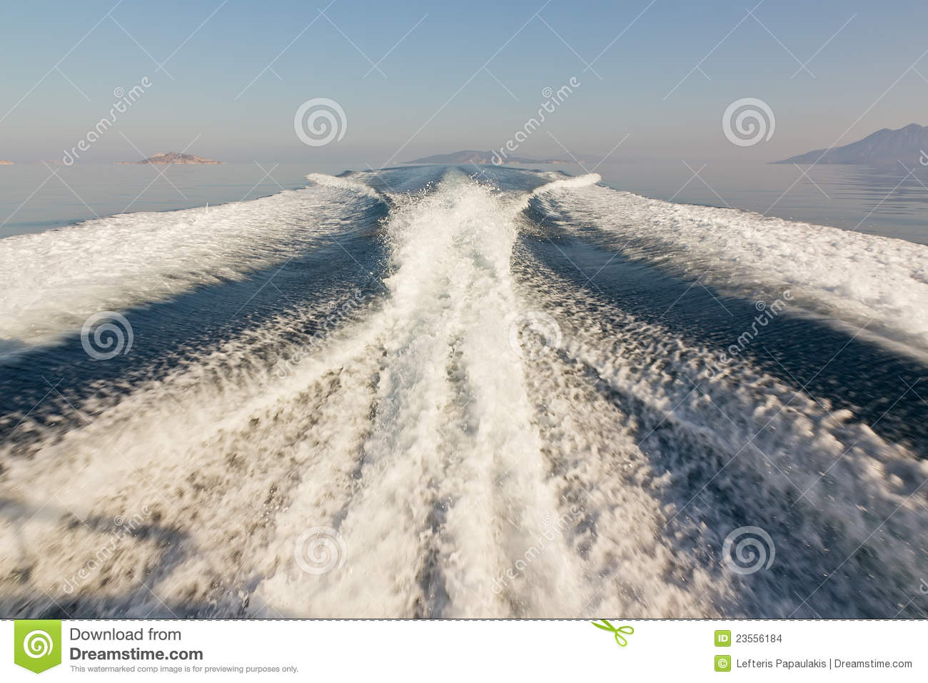 Twin Propeller Speed Boat Wake Stock Photo Image 23556184