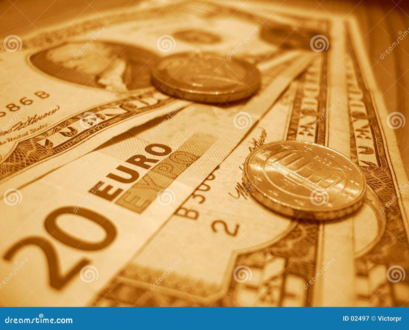 Twintig euro en tien dollars