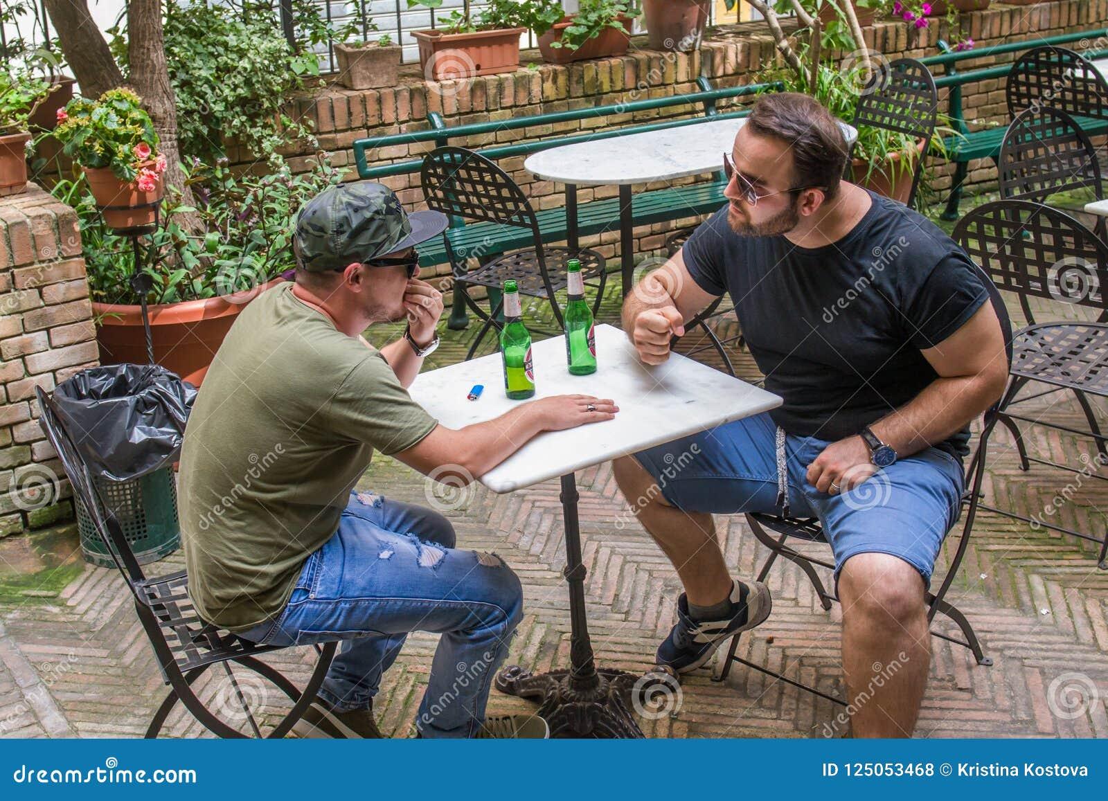 Two albanian mafia guys are talking about petty bulshit.