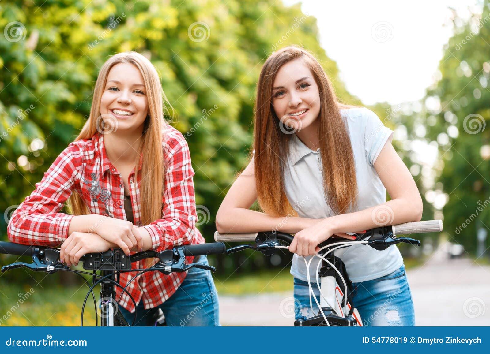 2 beautiful hot girls gj amp ar - 4 6