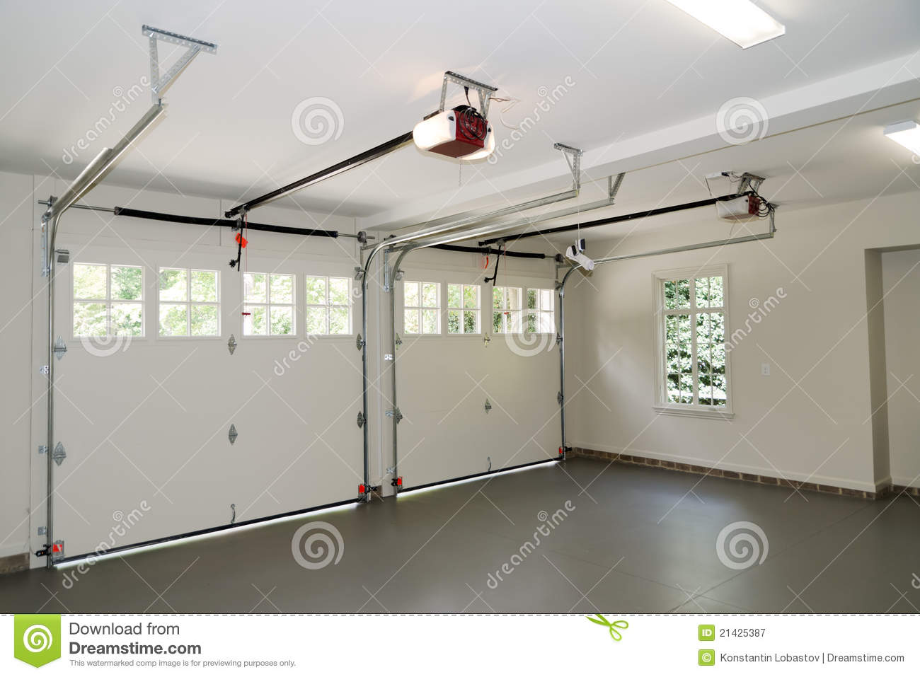 Two car garage interior stock image image of opener for Finition interieur