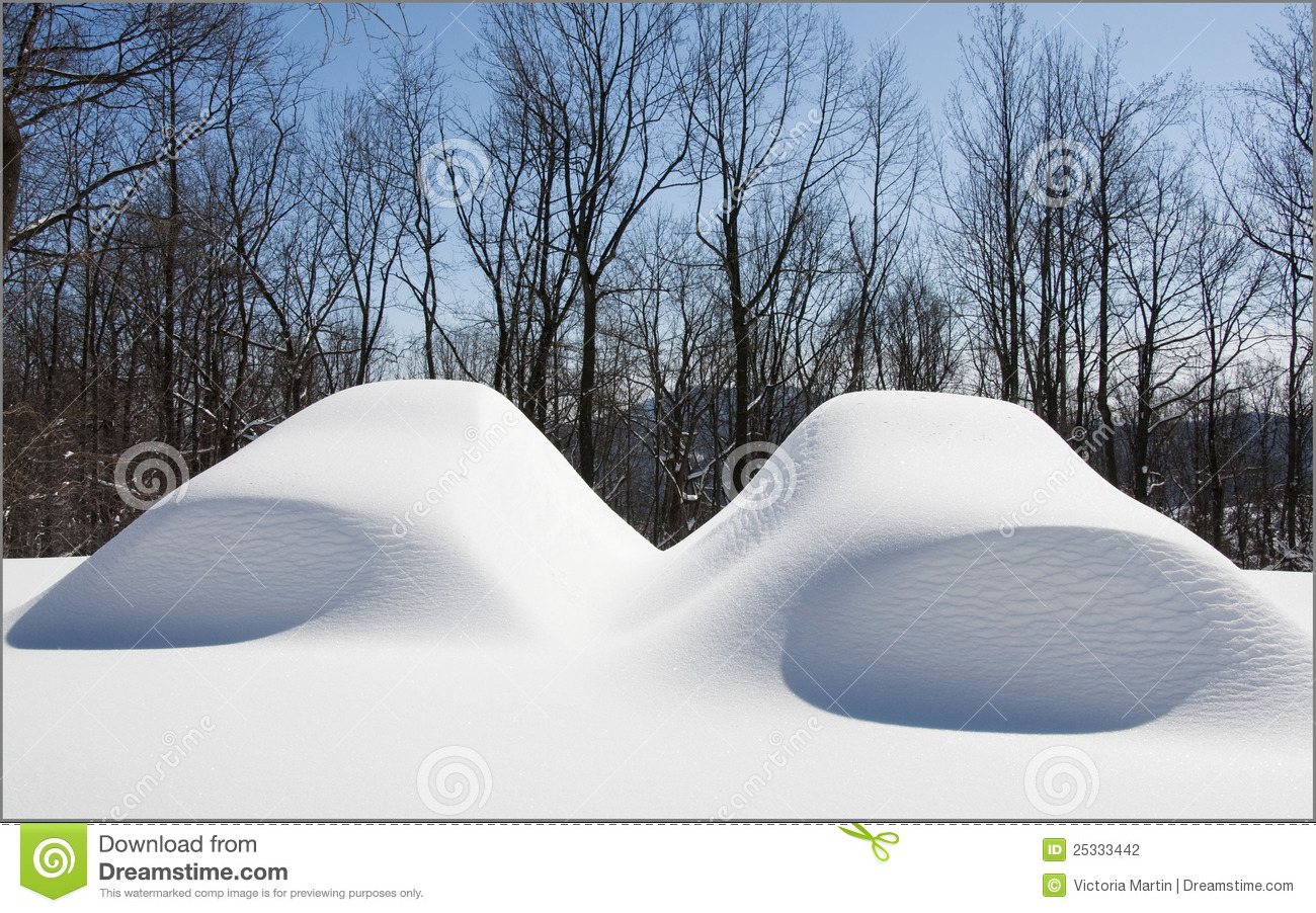 Displaying Images For - Pile Of Snow Clipart...
