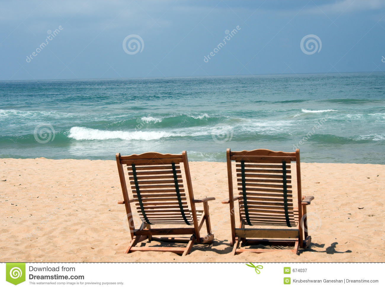 Two chairs at the beach stock image image of lonely - Sillas de playa ...
