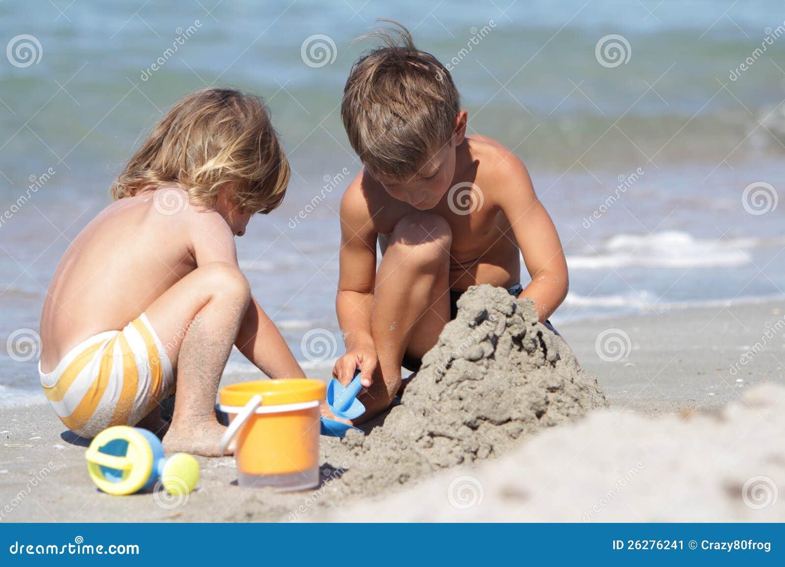 Фото детей с нудийский пляж