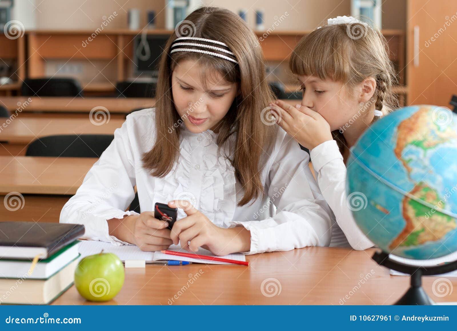 Фото девочка на уроке 9 фотография