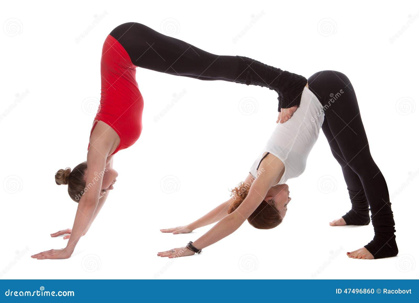 картинки йога на двоих для девочек