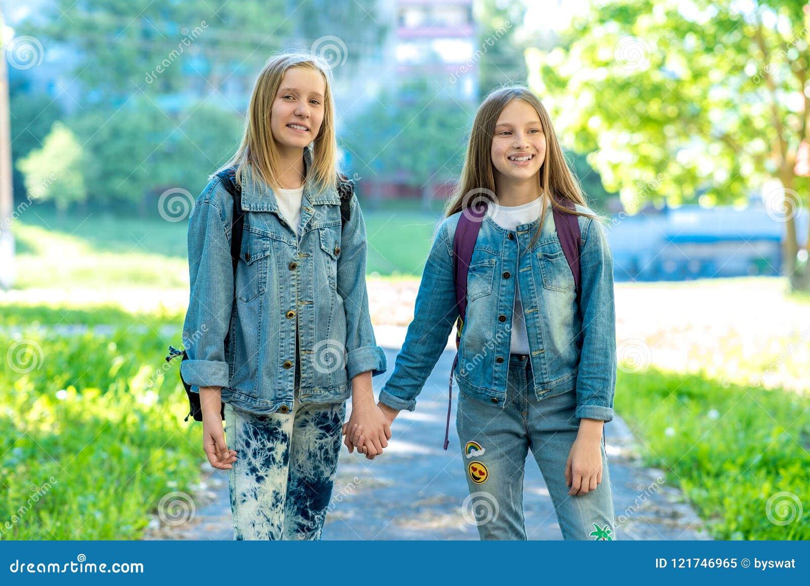Lesbian Best Friends Seduction