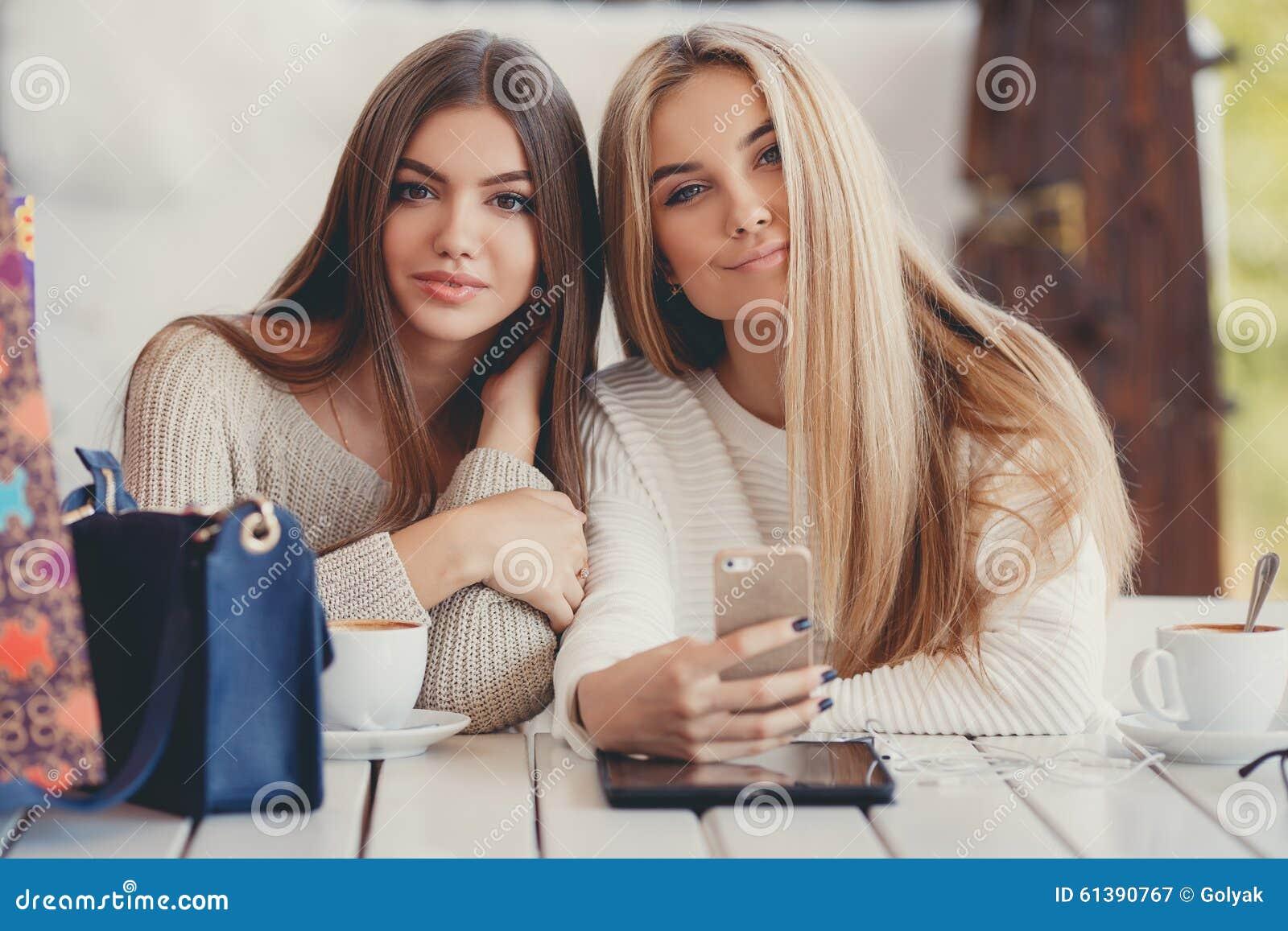 Cinnabuns and blonde friend
