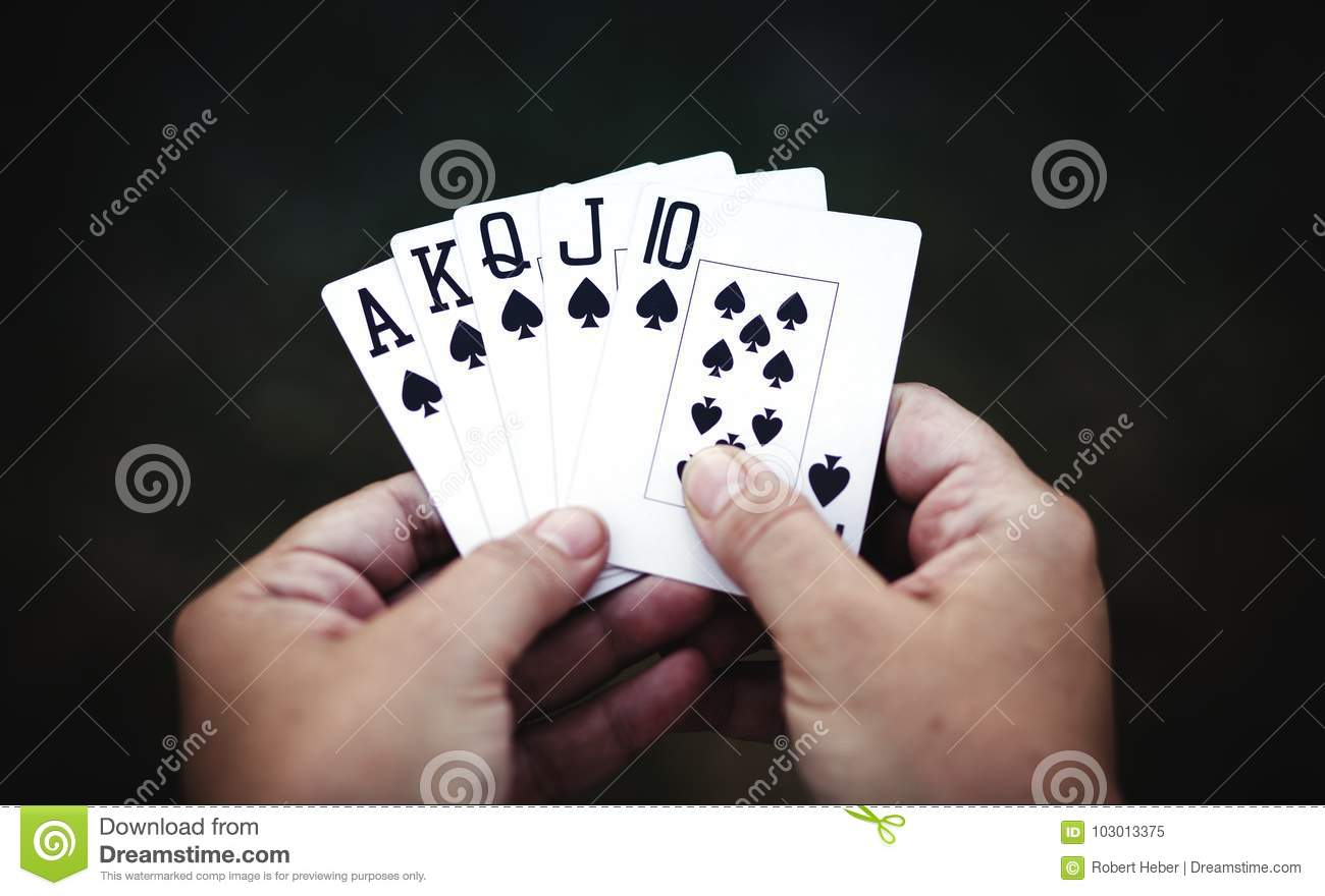 Who has to show their hand first in poker best online roulette for us players