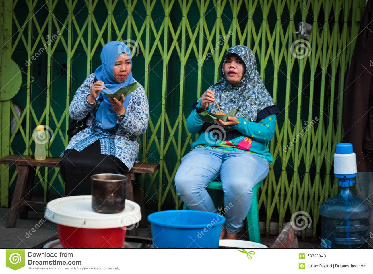 medan single muslim girls Riding pelni riding pelni  teenage girls got out their make-up while their  the dobonsolo was considered a christian ship because it called in at 'non-muslim.