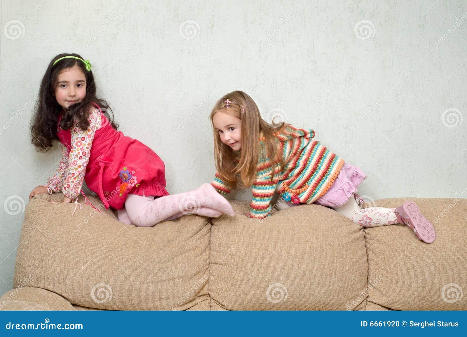 Обе молоденькая подрочила