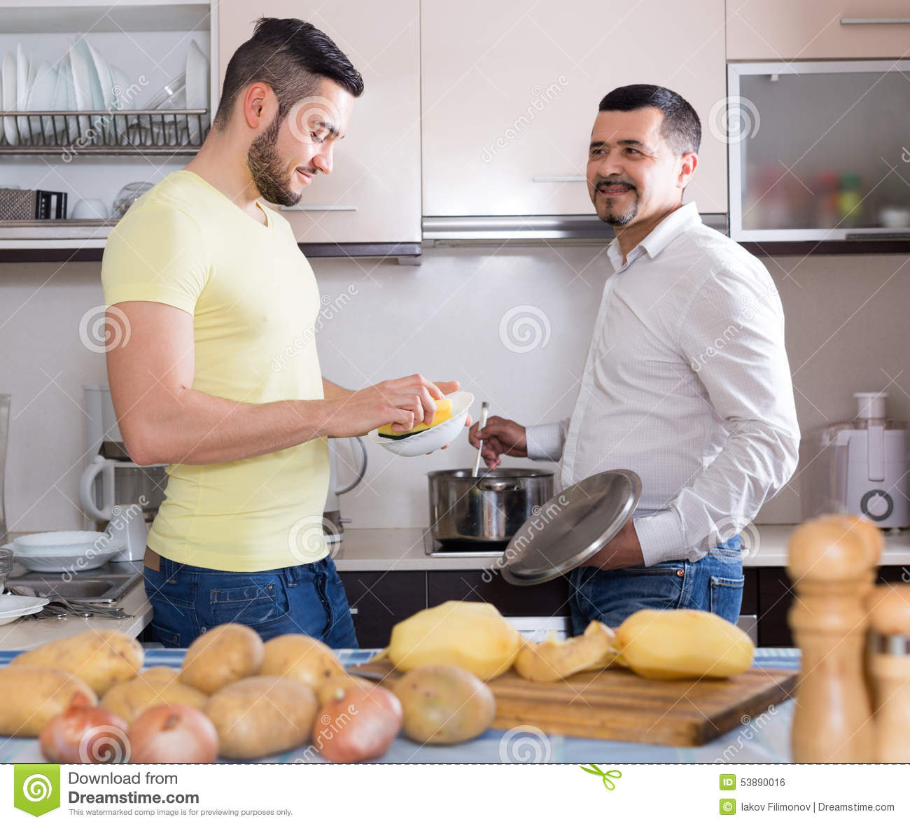 Related Keywords & Suggestions for Men Cooking