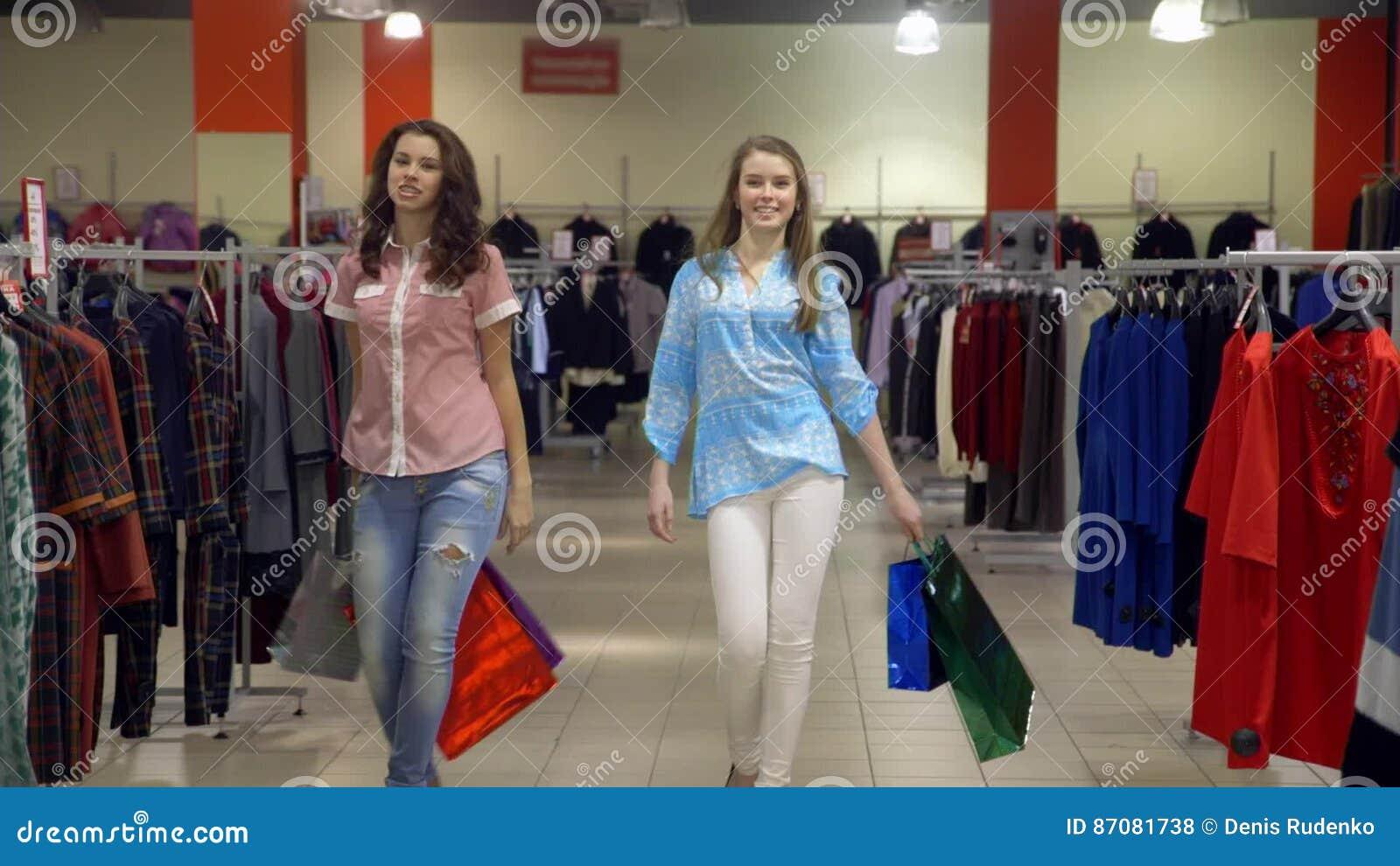 naked-neighbor-pretty-girls-store