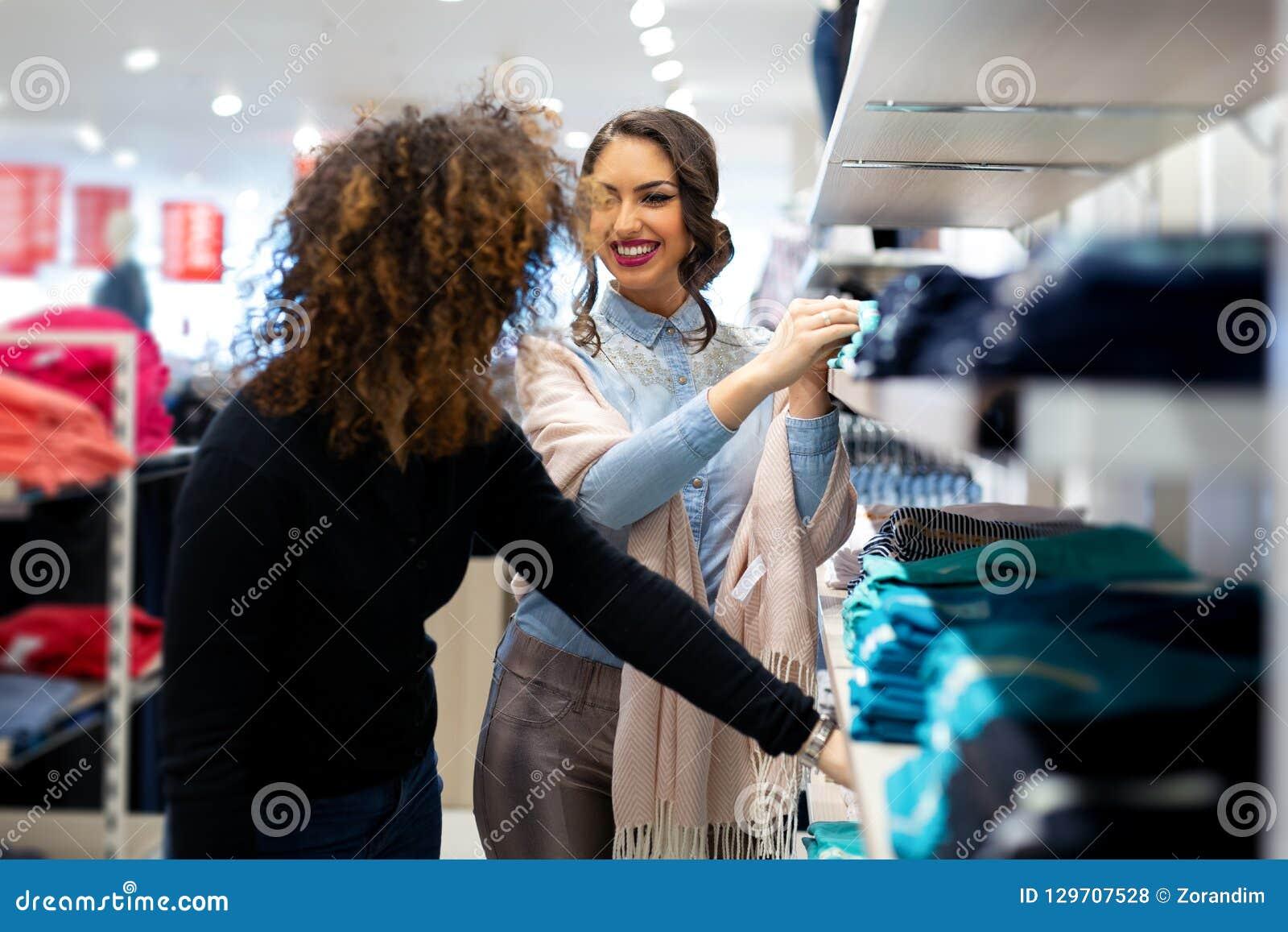 Pretty girls store — img 1