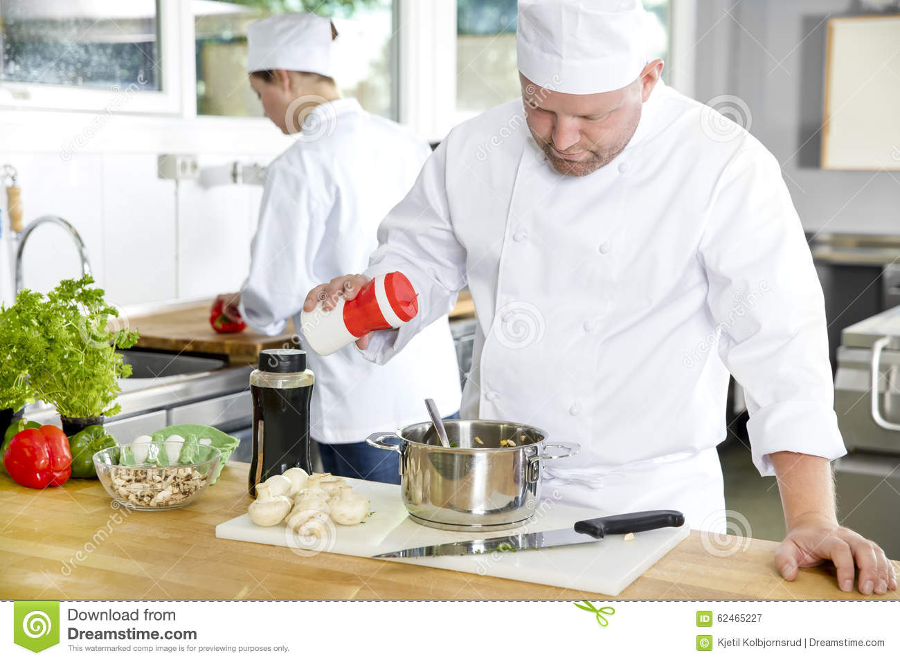 kitchen chef add salt industrial hotel restaurant assistant chef