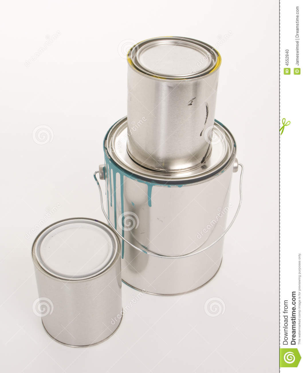 Two quarts and one gallon paint cans stock photo image for Cuanto es un cuarto