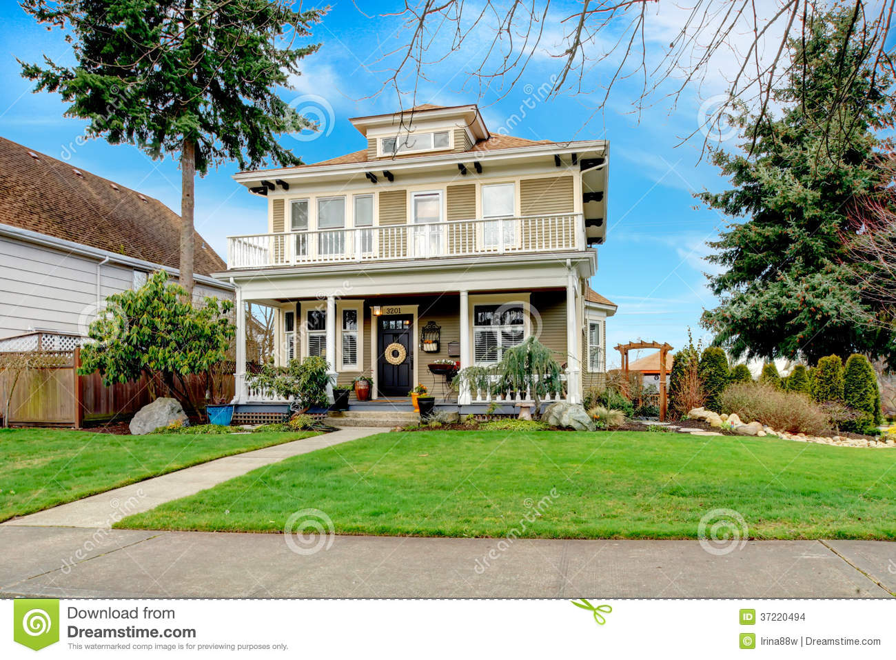Two story american house with white column porch stock for Classic american house
