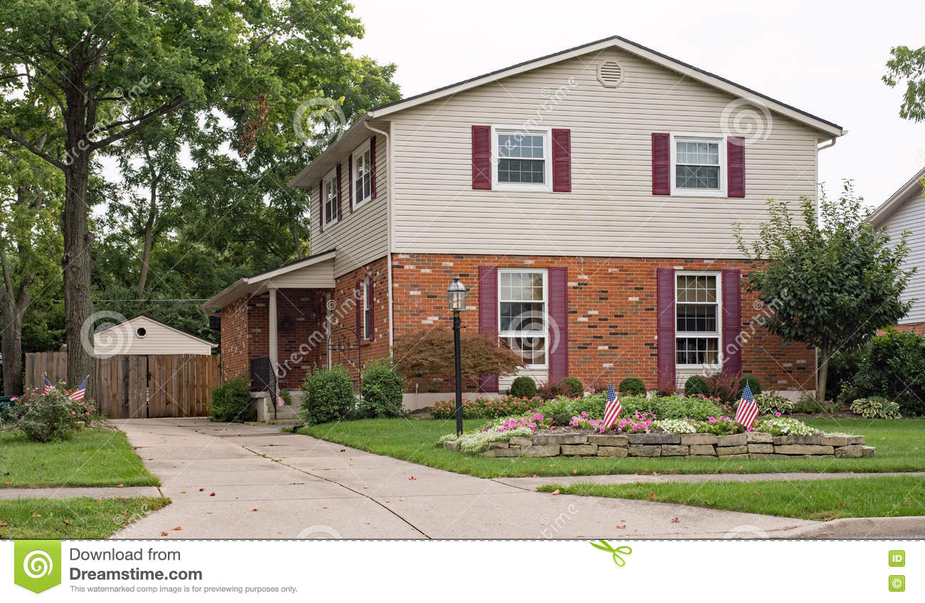 1 189 House Landscaping Siding Photos Free Royalty Free Stock Photos From Dreamstime