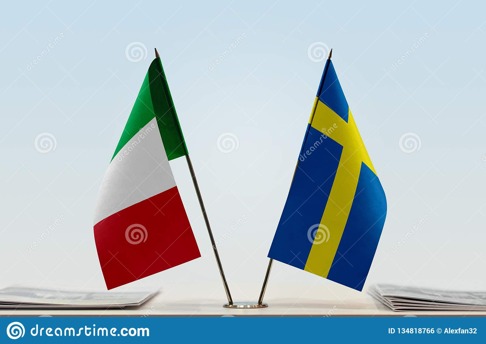 Flags of Italy and Sweden