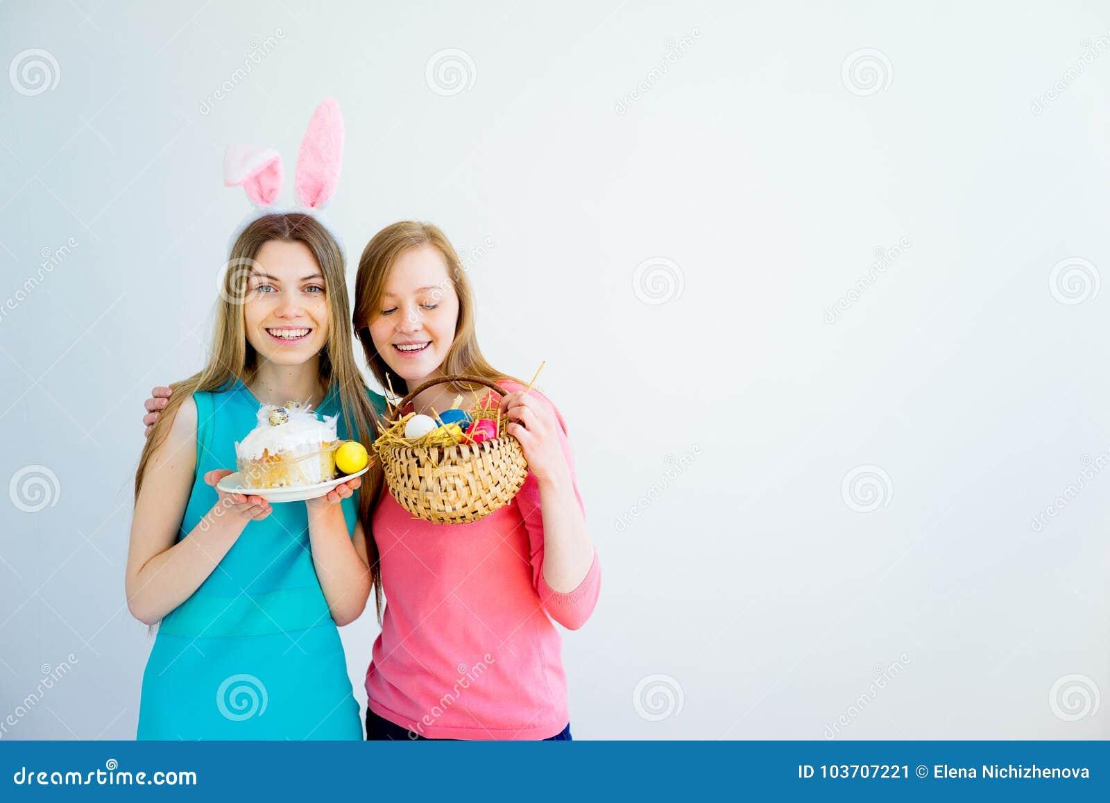 roxanne-topless-bunny-teen-pics-free-chubby