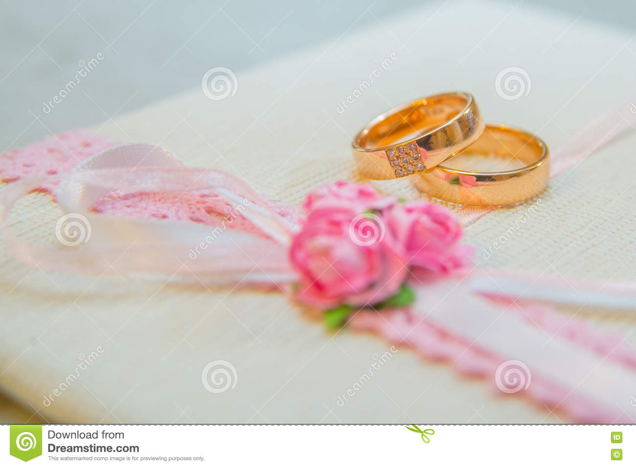 Two Wedding Gold Rings With Diamonds Stock Illustration ...