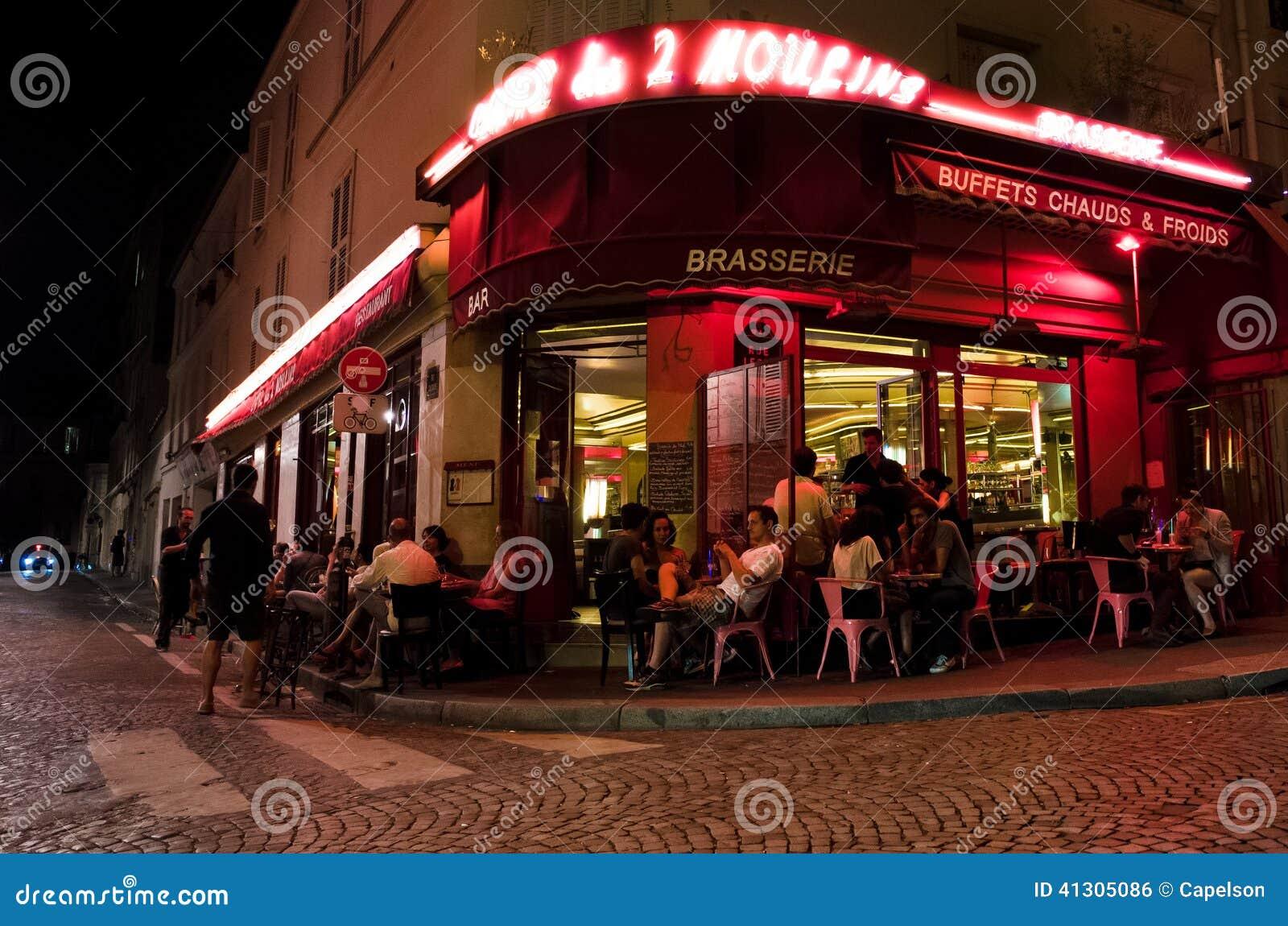 Caf Ef Bf Bd Des Deux Moulins Rue Lepic