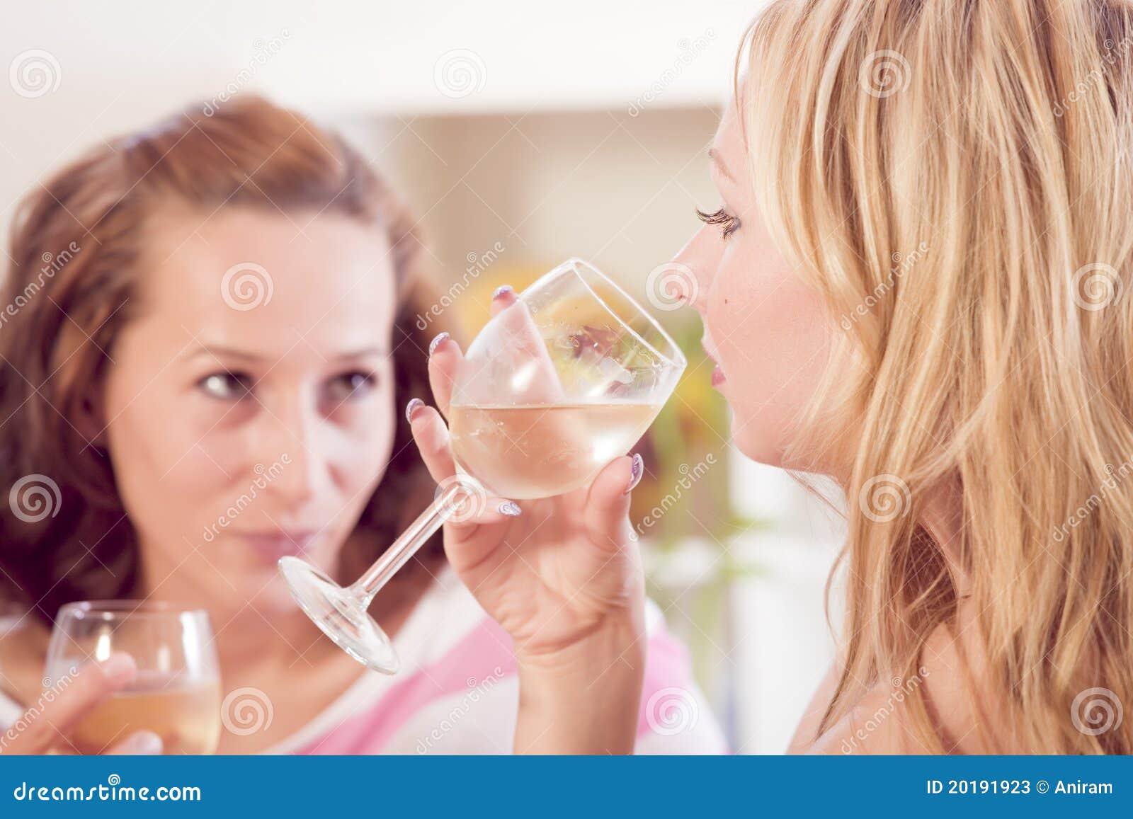 Homemade amateur lesbian wife